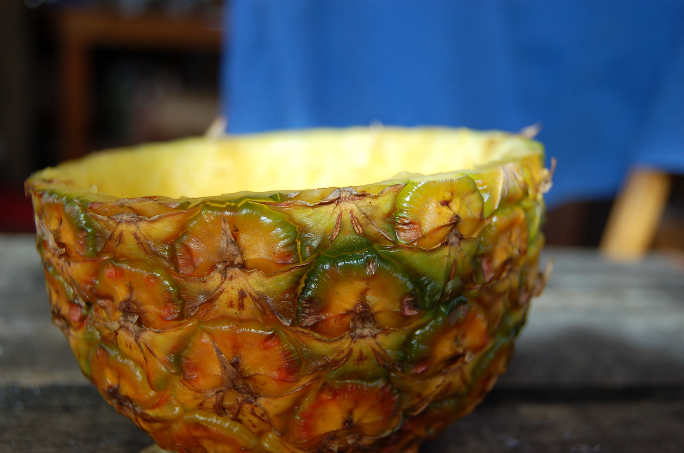 5 pineapple Bowl